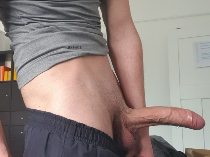 Boner with trimmed pubes